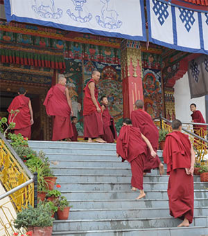 kadam-choling-stairs-temple